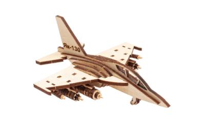 Самолёт - сувенир из дерева